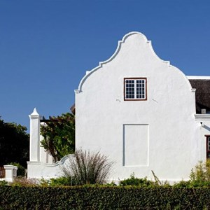 Side view of the homestead at Meerlust Estate