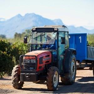Villiera Harvesting 11 Small.jpg