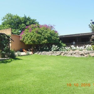 Mandy's Vineyard Cottage - Outside 2.jpg