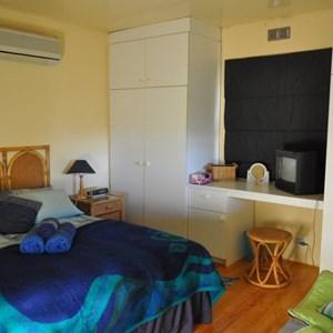 Mandy's Vineyard Cottage - Bedroom (1).jpg