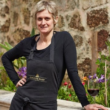 Debbie Mclaughlin, Cordon Bleu Chef Patron at Hilda's Kitchen devises a Special Seafood Dish to Perfectly Complement the Groote Post Seasalter