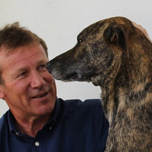 Meerlust 40th - Eddie & the one of the many dogs.JPG