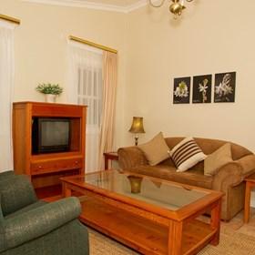 Image - Vineyard Cottage Interior1.jpg