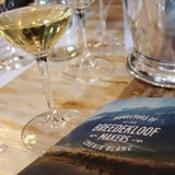 Tasting some fine Chenin Blanc from #Anderkantdieberg: Breedekloof Makers show off their Chenin