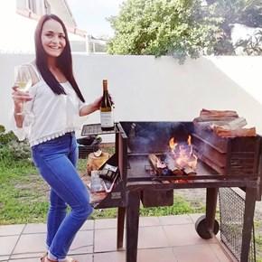 Laverne from wine.co.za enjoying #tastesunshine