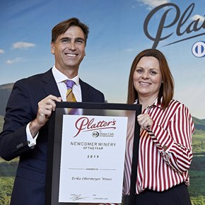 Platter's 2019 Newcomer Winery of the Year - JP Rossouw presents the award to Erika Obermeyer