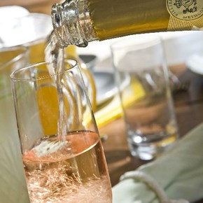 Pouring Trad Rosé
